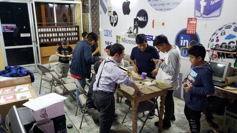 💻🤖👩🔬Creando el primer MakerSpace en Gualaceo, Ecuador.